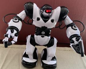 "WOW WEE ROBOSAPIEN 14"" BLACK & WHITE ROBOT WORKS!  No Remote."