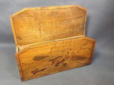 Ancienne petite boite en bois murale range papier ou clés vintage déco aviation