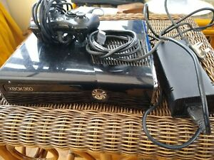 Xbox 360 S 250Gb Console 1439 with  Controller & power pack