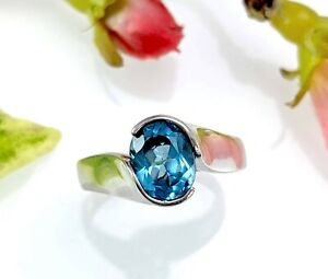 Oval Sterling Silver Blue Topaz Ring - Modernist Style - Size T