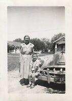 Vintage FOUND PHOTOGRAPH bw FREE SHIPPING Original Snapshot 97 13 X
