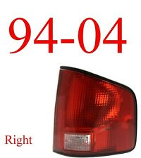 94 04 S10 Right Tail Light Assembly, Chevy, GMC, Isuzu, W/Black Trim GM2801124