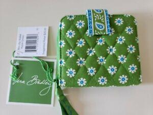 NEW VERA BRADLEY GREEN APPLE  Mni Zip Around Bi~Fold Wallet  ~  New with Tags