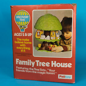 Boxed 1970s Palitoy Kenner Family Tree House