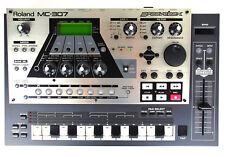 Roland MC 307 Synthesizer Drumcomputer TR-808 TR-909 TB-303 Multi FX + /GEWÄHR/