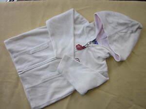 Mädchen Gr.: 86 --> beige Samtjacke  mit Reißverschluss und Kapuze Jacke