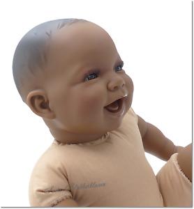 Doro Dolls Babypuppen Tayo, 52 cm Stoffkörper Puppe, dunkler Teint