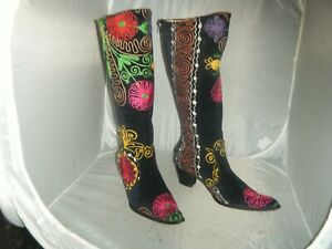 Woman Embroidered  Velvet  Western Boots Size 38 /8