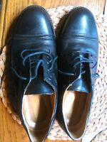 Herrenschuhe schwarz Größe 42