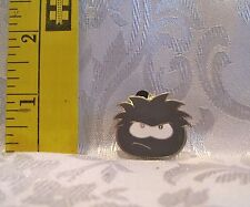 Walt Disney GRAY PENGUIN PUFFLE CLUB BOOSTER TRADING Hat Lapel Pin Badge