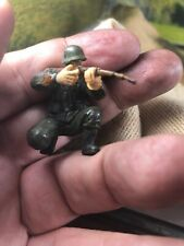 Forces Valor Unimax 21st Century 54mm-1/32 Painted Figure Shooting German
