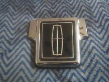 NEW 1995 1996 1997 LINCOLN TOWN CAR TRUNK LOCK COVER EMBLEM ORNAMENT ASBY