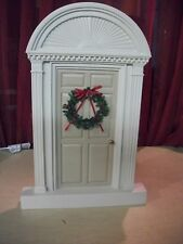 Byers Choice Christmas Carolers Colonial Door accessory with wreath & tan door