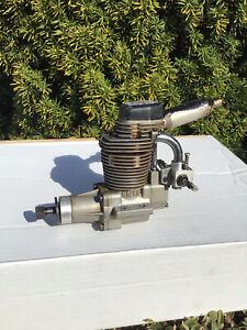 Model aircraft 4 stroke engine Enya 120-4C   Turns Fine