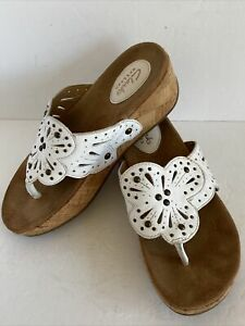 Clarks Collection Women's White Leather Cutouts Beads Cork Wedge Sandals Sz 6.5