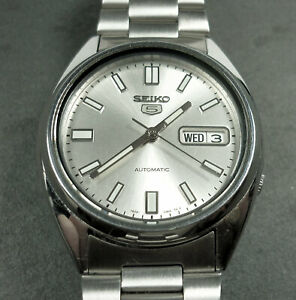 SEIKO - 5 - A gentleman's stainless-steel wristwatch, Automatic movement,