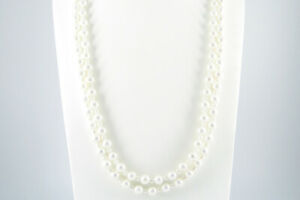 """62"""" 160cm Extra Long Small & Large Combined White Shell Pearl Necklaces Present"""