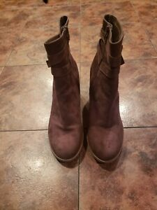 American Eagle Faux Suede Boots Size 11 GUC