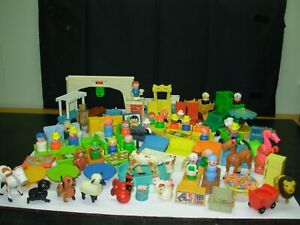 Huge LOT of 100+ VINTAGE Fisher Price Little People PIECES