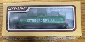 Life-Like Tank car ~ CITIES SERVICE ~ Rd# CSOX 2545  - Tanker - NIB - IOB - HO