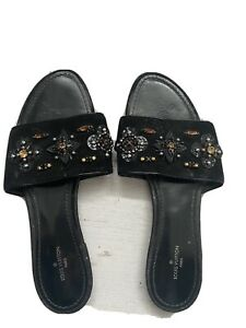 louis vuitton sandals 37.5 Embellished Flat Sandals