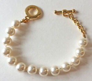 YVES RICHER HAND KNOTTED PEARL BRACELET TOGGLE CLASP