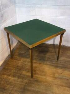 VONO GREEN FELTED TOPPED CARD / GAMES TABLE With FOLDING LEGS.