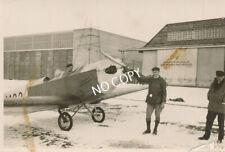 Foto WK 2 Militärflugzeug, Pilot, Soldaten Flugplatz Polen Winter B 1.78