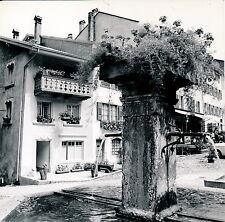 GRUYERE c. 1960 - Place Fontaine Suisse - DIV 3601
