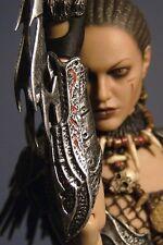 New Hot Toys Alien VS. Predator She Predator Machiko 1 / 6 Scale Action Figure
