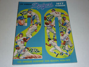 1977 LOS ANGELES DODGERS YEARBOOK - GREAT CONDITION!!! LOOKS NEW!!!