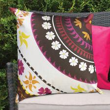 Coussins et galettes de sièges rose vif pour la décoration intérieure de la maison