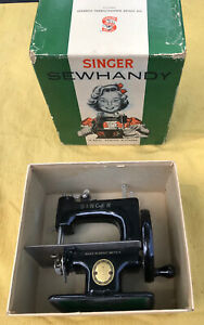 Vintage Singer Sewhandy Model 20 Child's Sewing Machine & Box VERY CLEAN