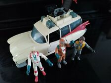 Ghostbusters Ecto-1 Action Figure Car  Vintage 1984 Kenner Toy  with 3 figures