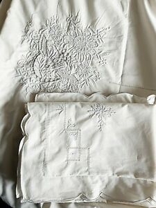 """CHRISTY""""  STUNNING LACE EMBROIDERED LIGHT CREAM  KING SIZE QUILT SET..COST £160"""
