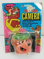 VINTAGE 1976 HANNA-BARBERA YOGI BEAR CAMERS UNOPENED ON CARD 1970'S TV TOY