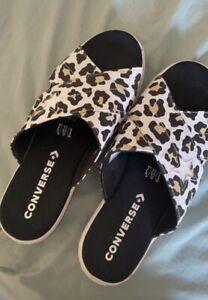 converse size 8 Leopard Print Flip Flops