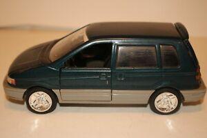 Sunnyside Mitsubishi Space Runner Van, Diecast 1/24 Scale