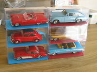 DINKY COLLECTION of MODEL VINTAGE CARS WITH CLEAR DISPLAY BOX