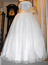 Gorgeous Strapless / Lace up back / Wedding Dress / Princess Style
