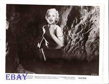 Beverly Garland busty babe w/gun VINTAGE Photo It Conquered The World