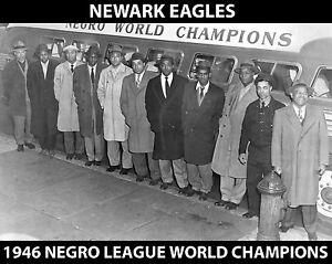 NEWARK EAGLES - 1946 Negro League World SeriesChampions - 8x10 B&W Photo