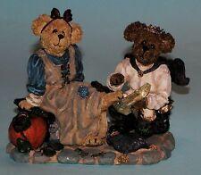 "Boyds Bears figurine ""Cindyrella & Prince Charming.Shoe Fits"" #2454 Nib 2001"