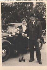 Foto Hochzeitspaar vor VW Käfer Auto Oldtimer