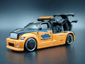 MODERN CUSTOM TOW TRUCK RARE 1:64 SCALE COLLECTIBLE DIORAMA DIECAST MODEL CAR