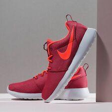 Nike Roshe One Deep Garnet/Bright Crimson Baskets. TAILLES UK 5.5, EUR 39. BNWTs
