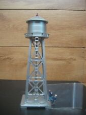 HO SCALE MODEL POWER SILVER LIGHTED WATER TOWER # 630 W/ 2 PAINTED FIGURES