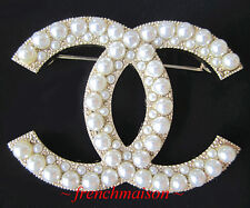 AUTHENTIC CHANEL CC Logo PIN BROOCH Gold PEARL Classic Large New 2017 FALL