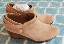 NWT Boots DR SCHOLLS WHATS GOOD Vegan Suede Wedge Bootie in Nude 8 RETAIL $90