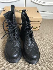 black Dr martens Boots size 4